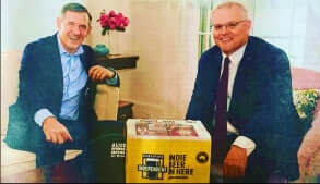 Chief Minister Michael Gunner and Prime Minister Scott Morrison and beer