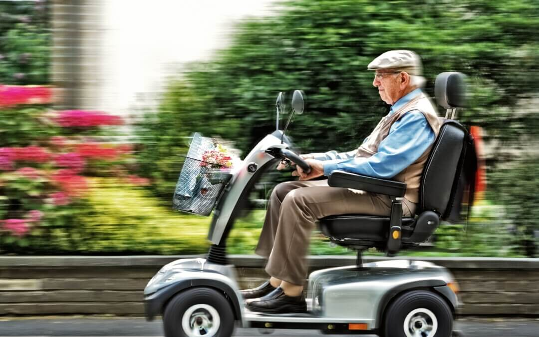 Senior in scooter robbed of carton of beer, assaulted: NT Police